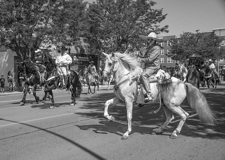 2687B_Colorado_county Fair_riders-on-the-street.jpg